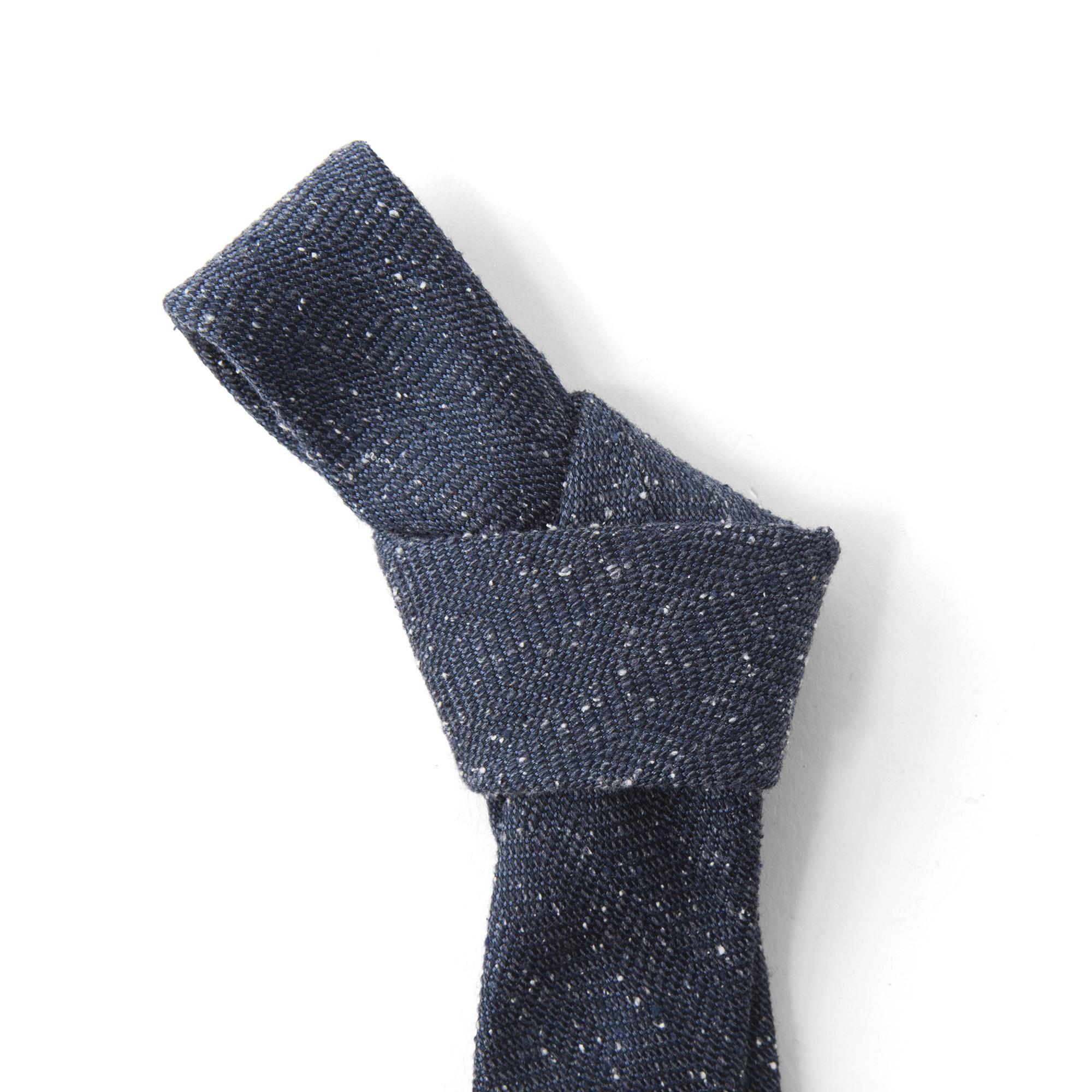 The Tie Bar Threaded Zig-zag Tie | Bespoke Post